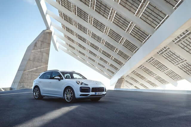 2019 Porsche Cayenne E-Hybrid is more powerful