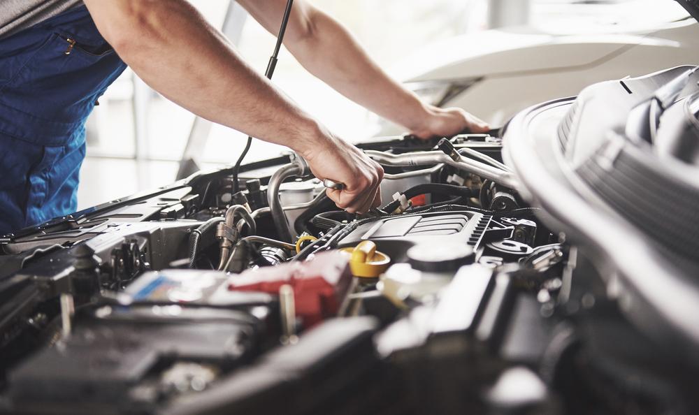 Mercedes Experts vs. General Mechanics